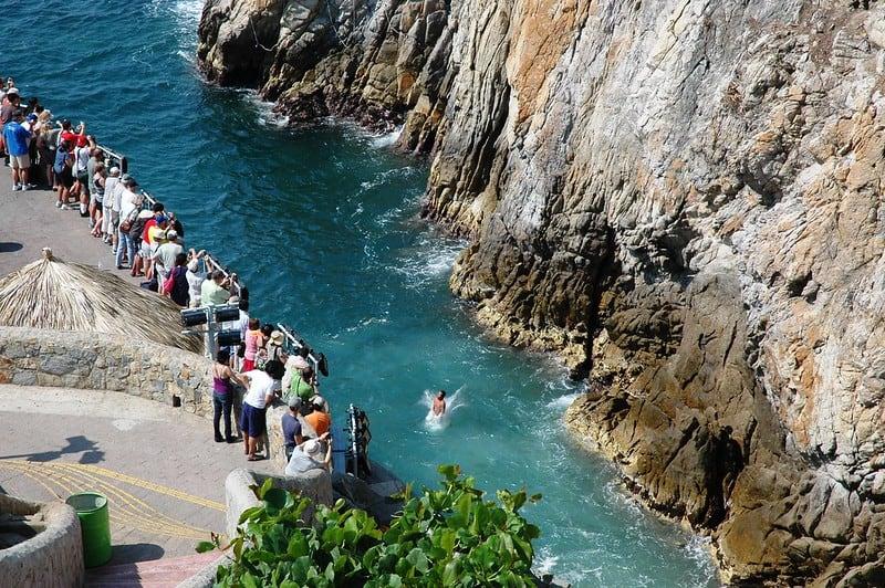 La Quebrada cliff divers, Acapulco, Mexico
