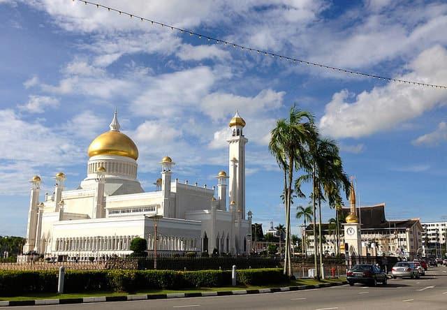 Masjid Omar Ali Saifuddien Mosque