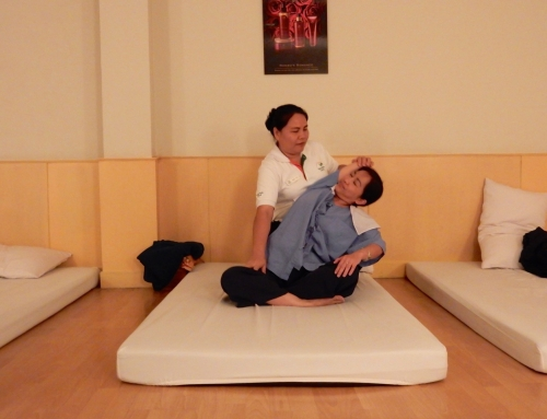 Sophie tries new things: Thai massage in Bangkok