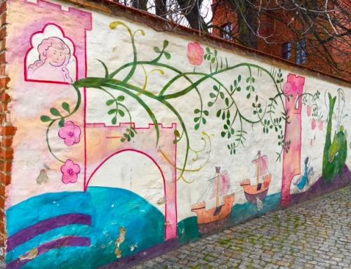 Toruń: Copernicus, World Heritage, gingerbread, a brass ass – and notaries