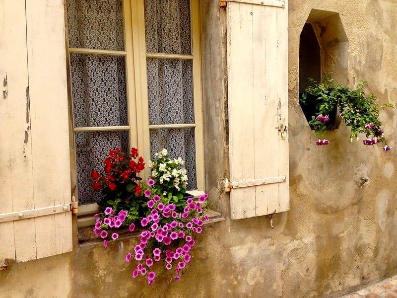 Saint-Emilion: wine and medieval history | Sophie's World Travel Inspiration