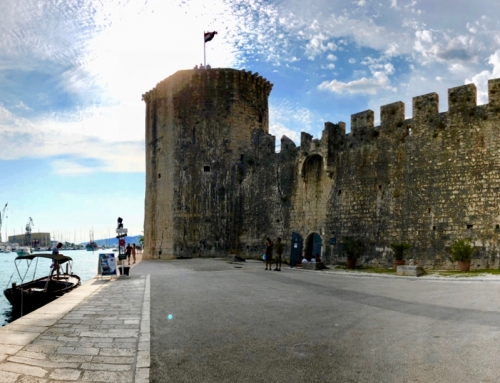 World at a Glance: Trippy Trogir (Day out Split)